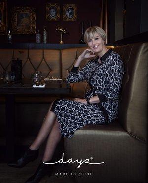 Dayz Freda - Lange jurk met metroprint zwart
