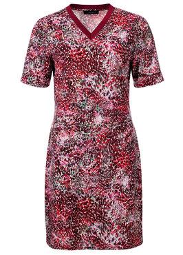 Dayz Winda - Geprinte jurk met tap aan de hals