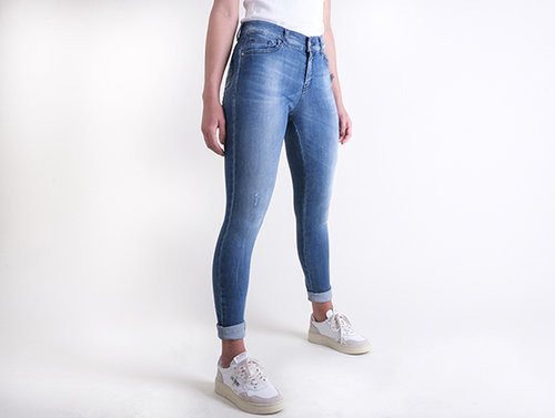 Fifty Four jeans Sixty model