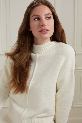 Yaya Sweater with vertical seam at front body