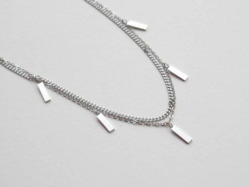 ZAG rechthoekjes zilver collier